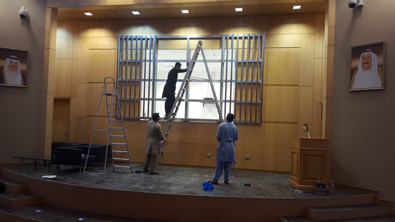 Building the frame structure of the LED screen